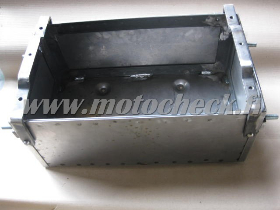 Zetor25_batterilåda